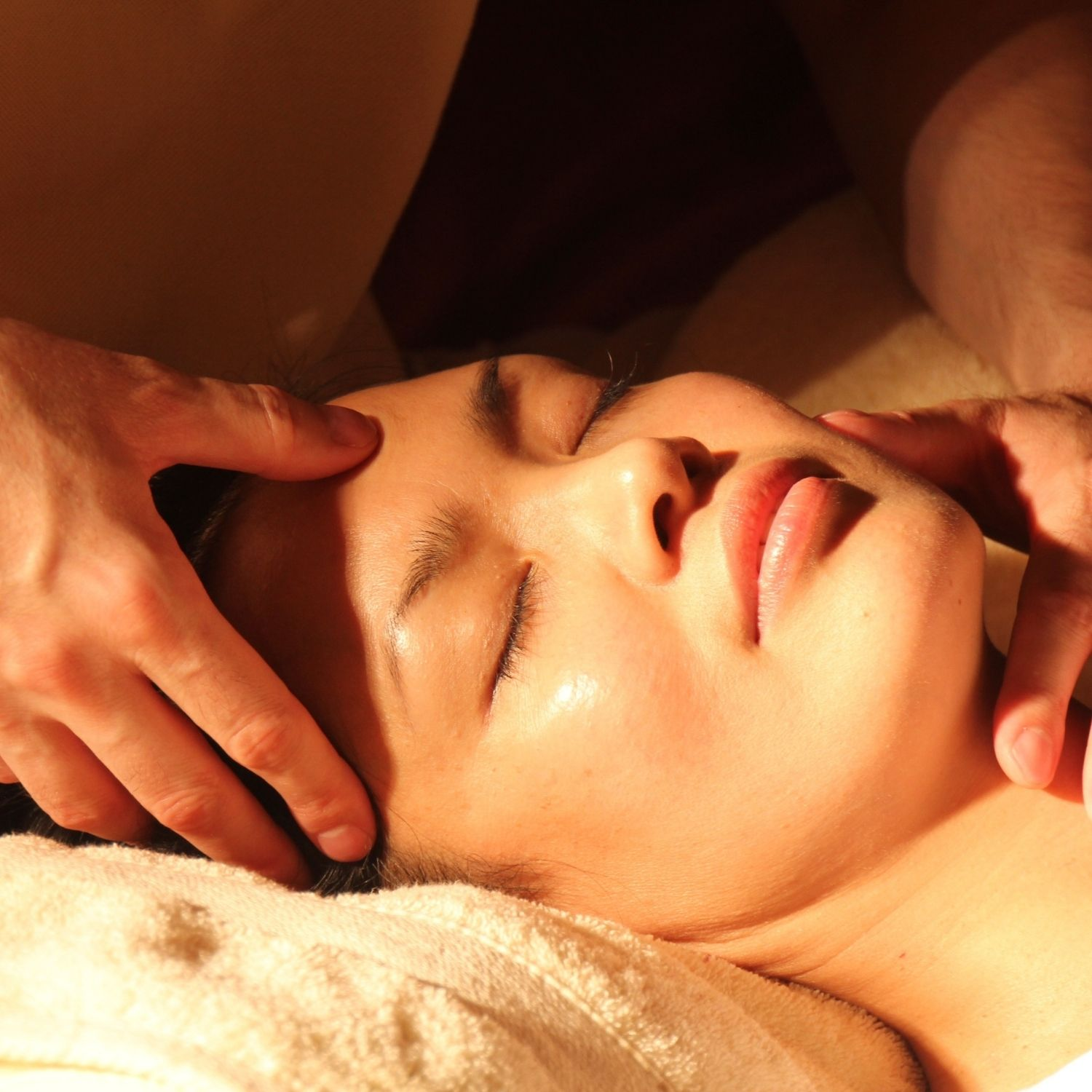 Advantages And Uses Of Acupressure Therapy